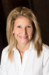 Lori Gross: Broker at Peoples Mortgage